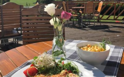 Dzień dobry ☀️! Zapraszamy na danie dnia dziś : Krem z dyni Lasagne z kurczakiem ,sałatka z rukoli i pomidorów ,kompot