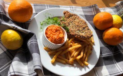 Zapraszamy na danie dnia 🍽🍂☀️ Krupnik Filet z kurczaka panierowany w sezamie,frytki,surówka z marchewki Kompot